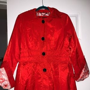 🎉Guess ladies coat SZ LG red, black button lined.